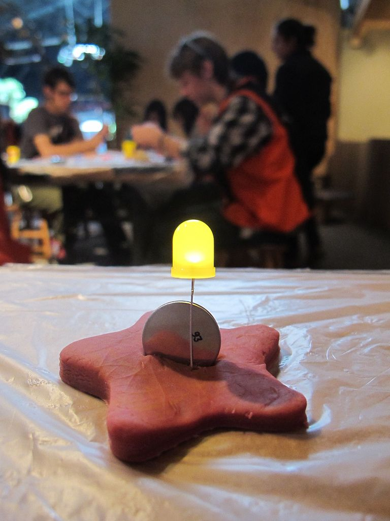 Tinkerlab Squishy Circuits Use Conductive Play Dough To Make How And Batteries