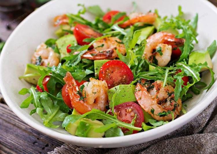 Салат с рукколой и креветками   Рецепт   Еда, Здоровые ...