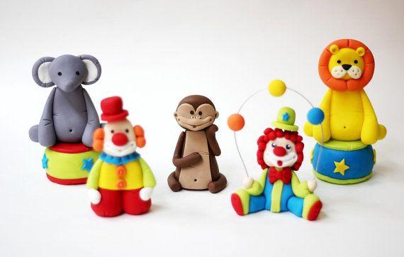 Mono de fondant de la ideas  León de fondant de por LesPopSweets