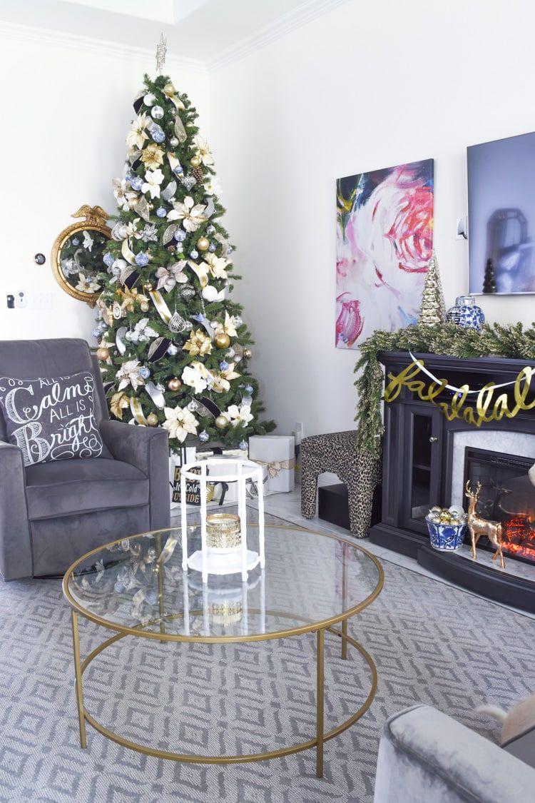 Tree Design Wallpaper Living Room: Glam & Simple Christmas Living Room Decor Ideas