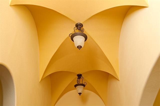 Detailed Ceiling
