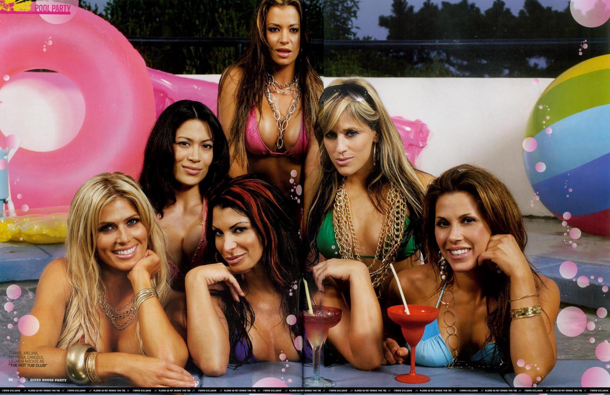 google glamorous ladies having sex