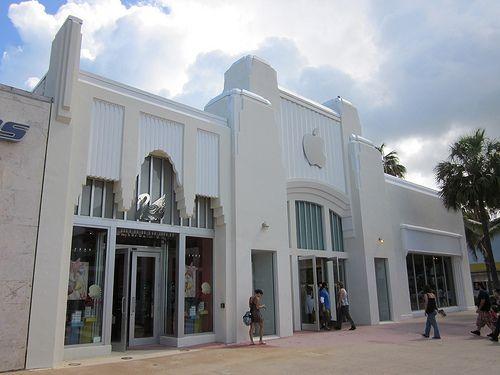 Miami Beach Lincoln Mall Retro Le