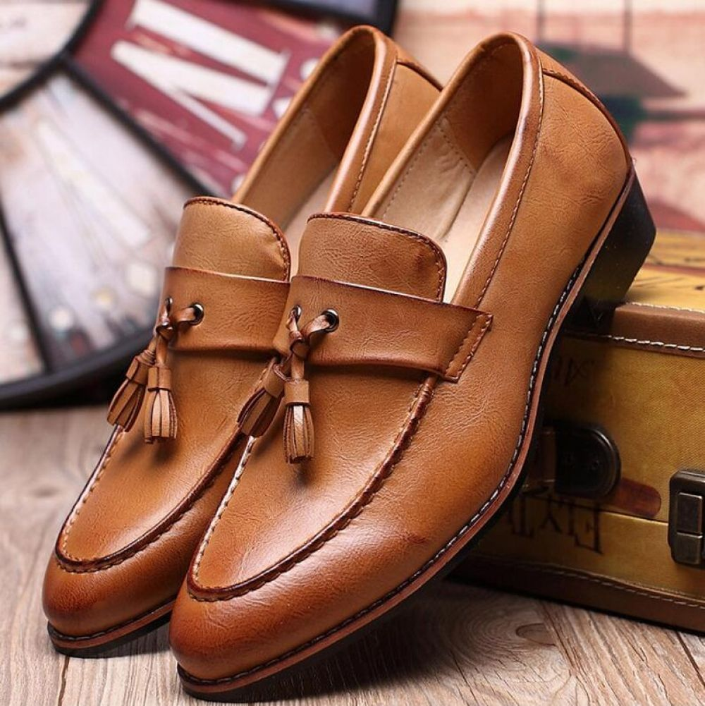 Luxury Designer Italian Tassel Men Shoes Loafers men