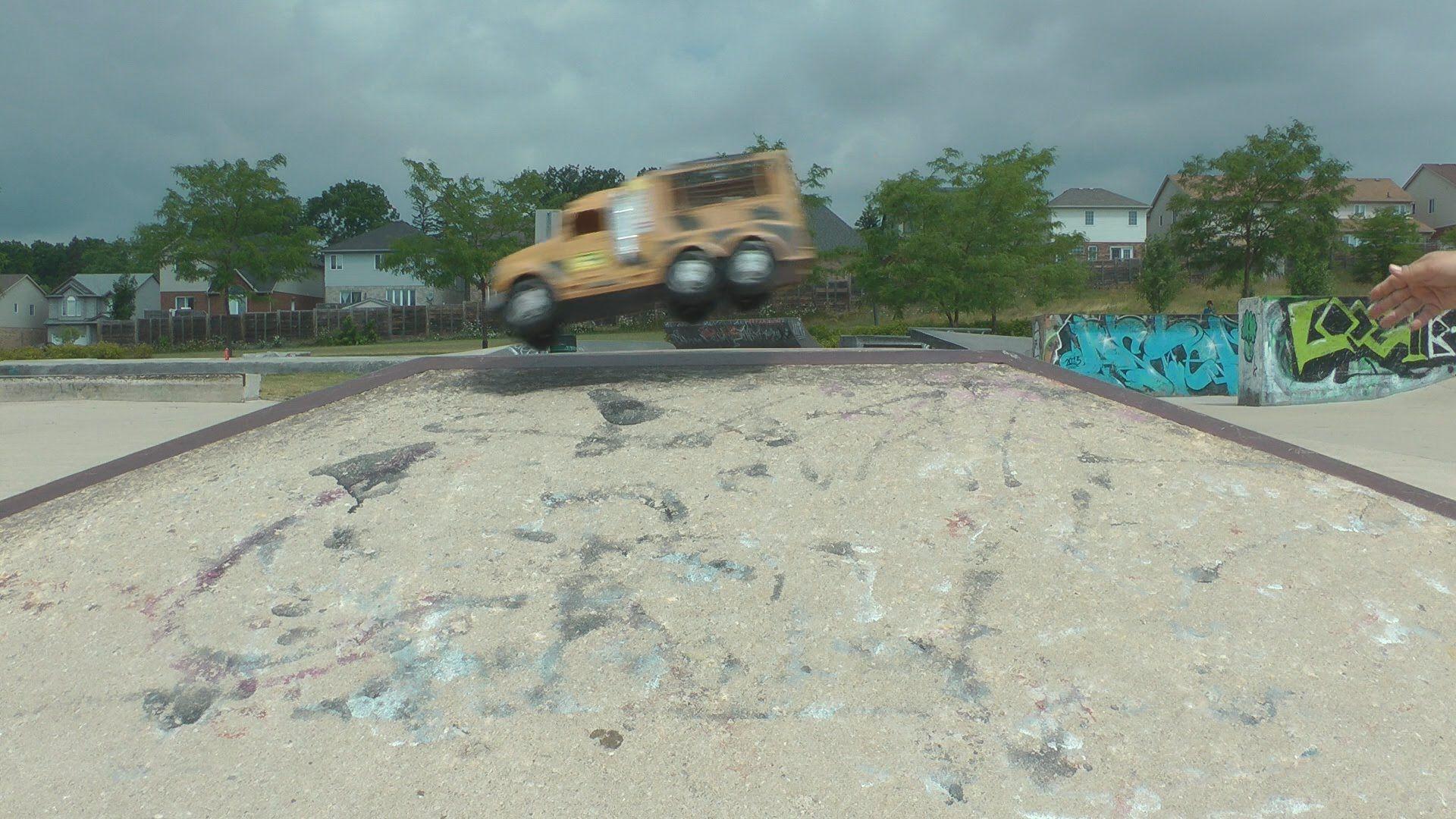 Big Trucks Jump Off Skate Park Ramps Toy Cars Kids Fun Big