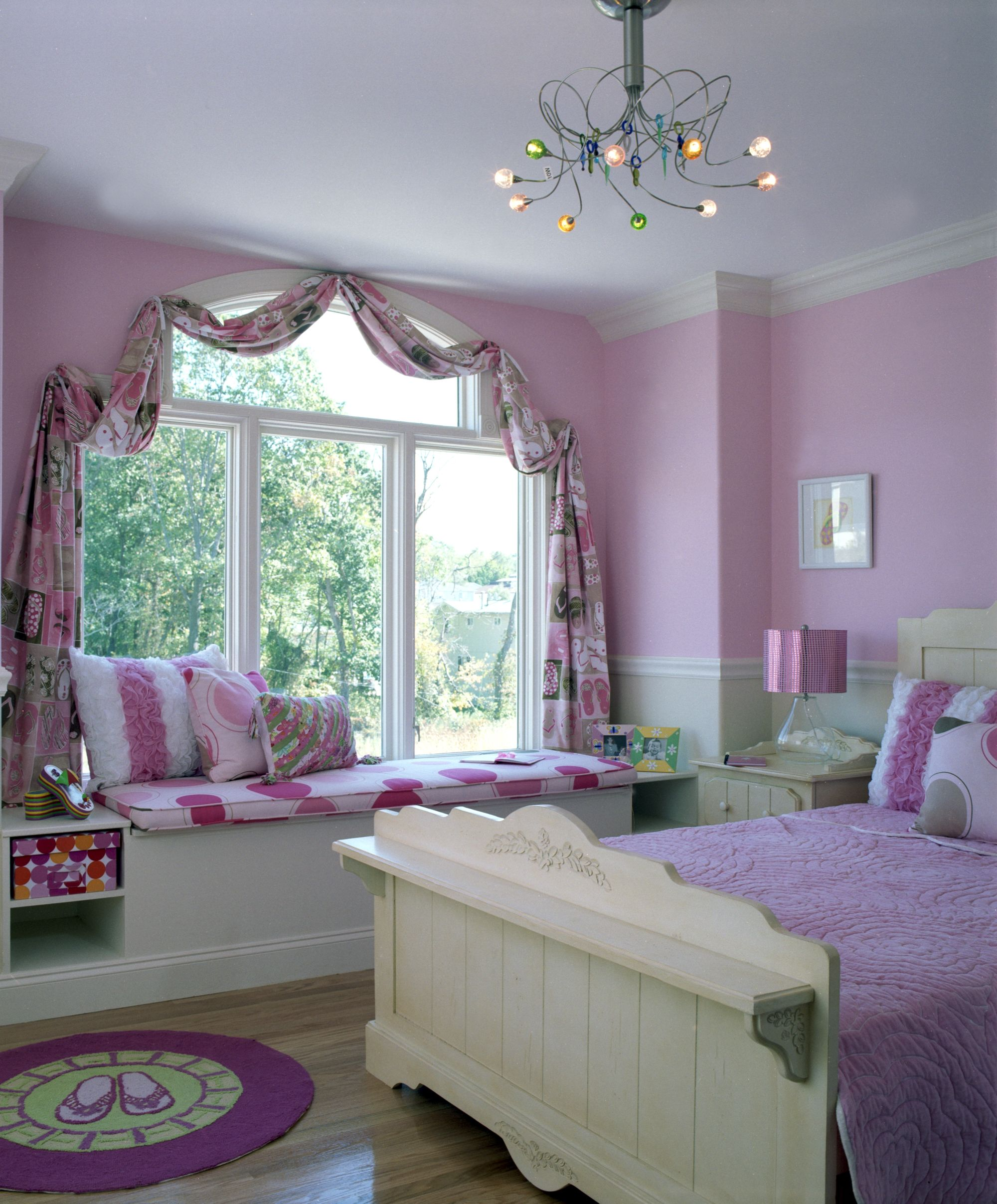 Bedroom Teenage Small Girls Room Purple Large Size: Window Treatment In Little Girl's Pink Bedroom.