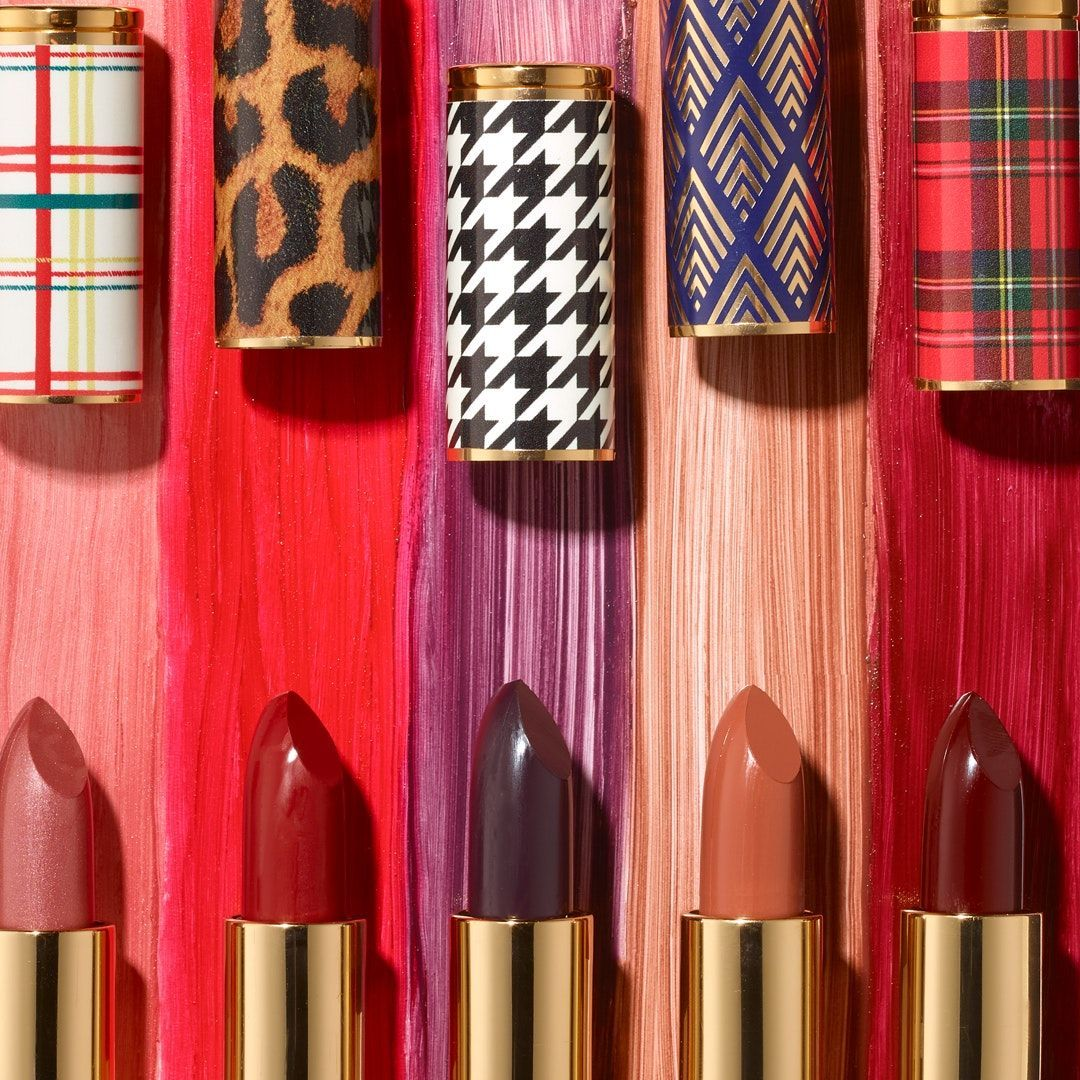 This Year Avon Has Come Out With Limited Edition Iconic Lipsticks To Take You Back In Time These Chic Shades Are Housed In G Avon Lipstick Lip Colors Lipstick