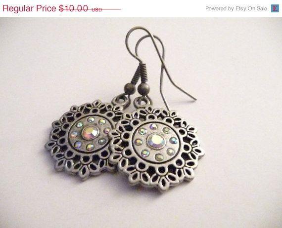 WEEKEND SALE The Annabelle earrings by Eleganceforyou on Etsy, $8.50
