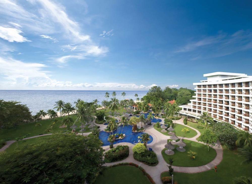 15 Beautiful And Relaxing Malaysia Resorts To Enjoy Your Vacation Meloaku Sands Resort Malaysia Resorts Resort