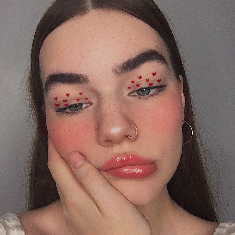 """Photo of elise on Instagram: """"Extremely early valentines look 🤧💞 Inspo: @honeyandwheat_ ❤️ Products : Hearts: @nyxcosmetics vivid brights liner Brows: @milkmakeup kush…"""""""
