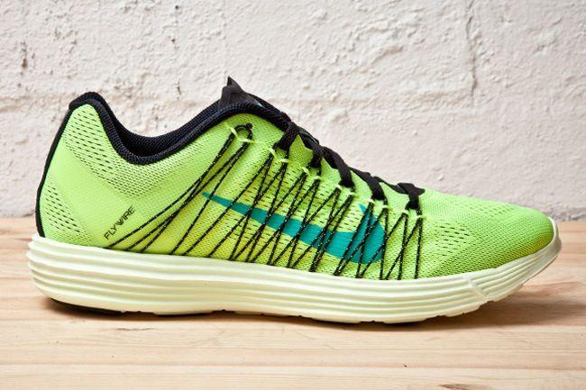 0155232c9d44 ... marathon Nike Lunar Racer 3 Volt Atomic Teal ...