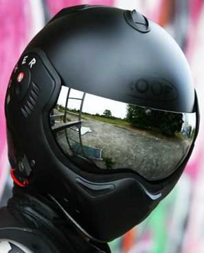 Roof Boxer Helmet - WANT!...