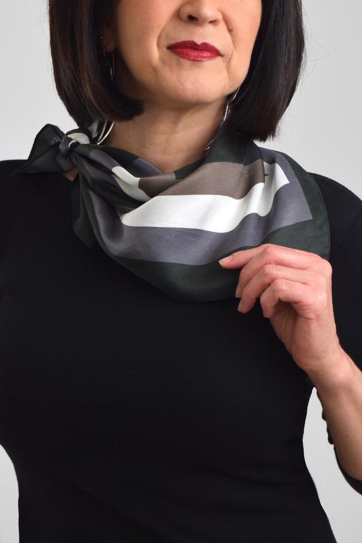Classic Neckerchief Scarf | Noir Blanc Scarf Collection | Theresa Delgado #businessattire