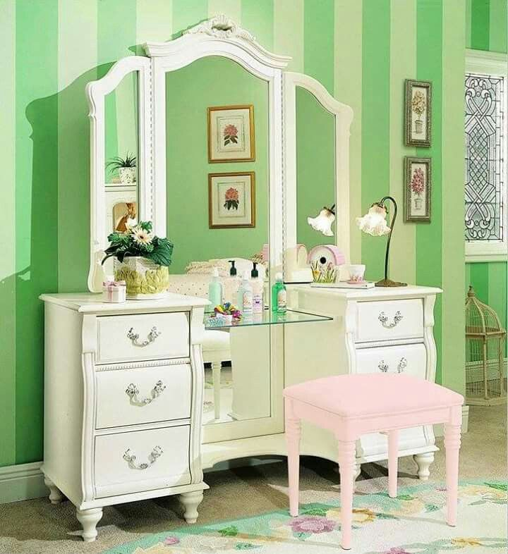 Pin by Rose Petals and Pearls on Home Decor that I love Pinterest - Bedroom Vanity Table