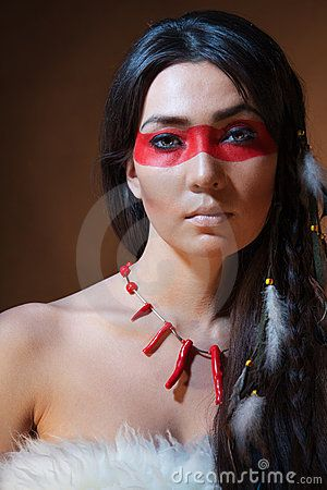 American Indian With Paint Face Camouflage Native American Makeup Indian Makeup Looks Native American Beauty