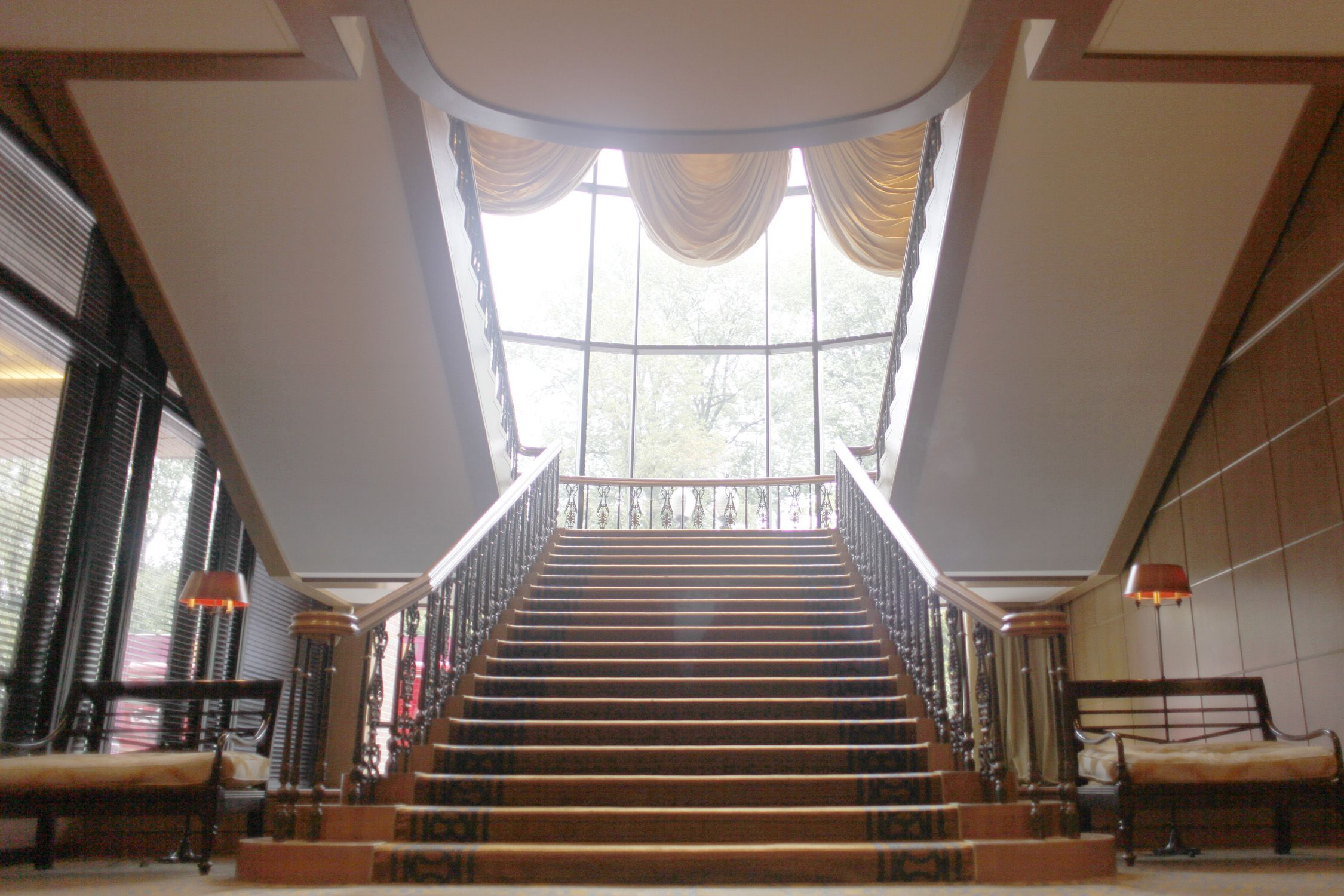 Four Seasons Hotel Boston The Grand Staircase Courtesy Of Forbes Boston Hotels Brownstone Homes Hotel