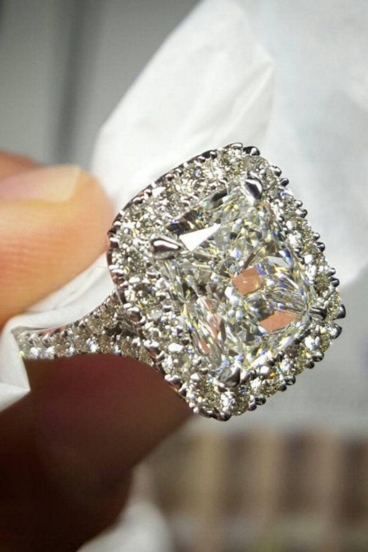 stunning engagement rings by diamondmansion radiant cut ring