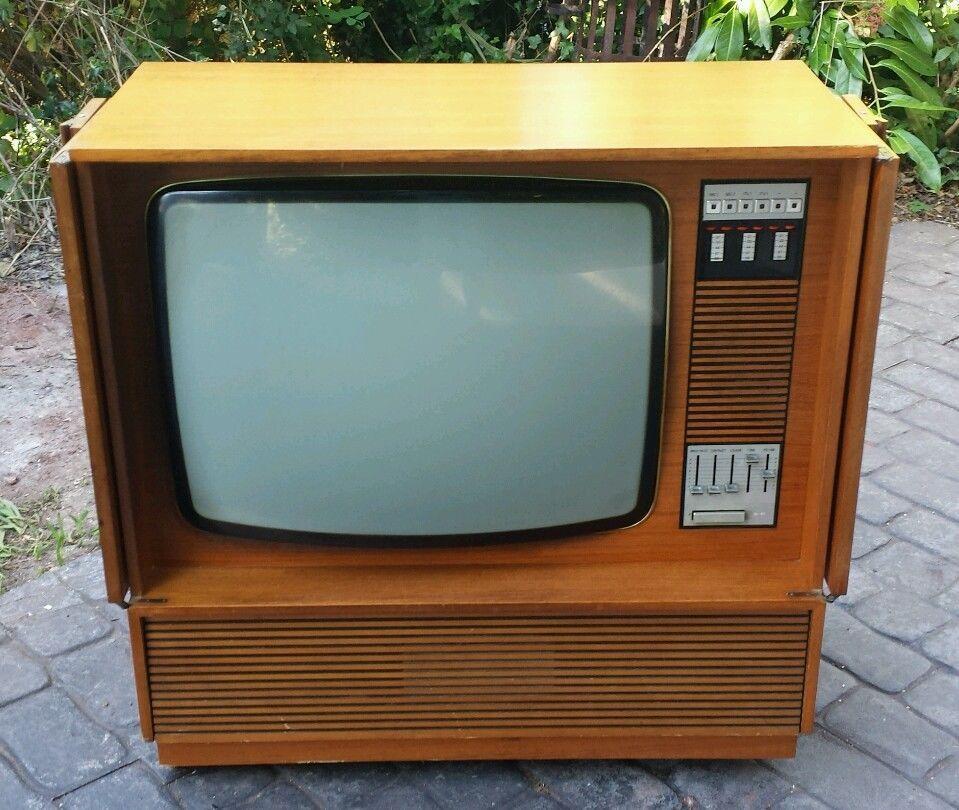 Vintage 1970s Retro Mullard Philips 26 Colour Television Tv Teak