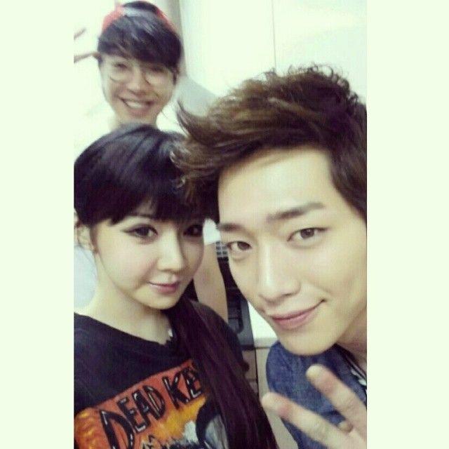 강준이와 함께^____^ 뒤에 Feat.우리민우.ㅋㅋㅋ - haroobommi's photo on Instagram - Pixsta