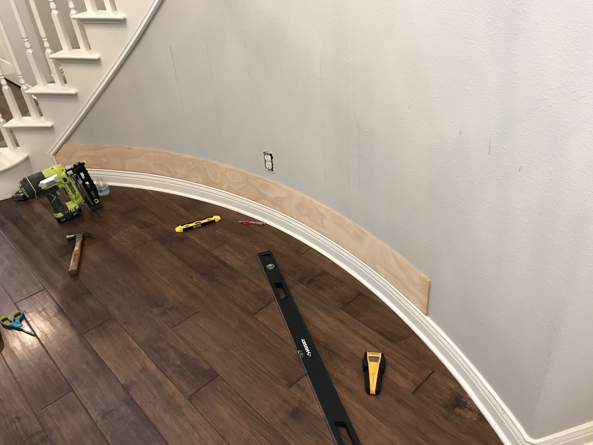How To Shiplap A Curved Wall Fancypants Mommy Co Shiplap Curved Walls Ship Lap Walls