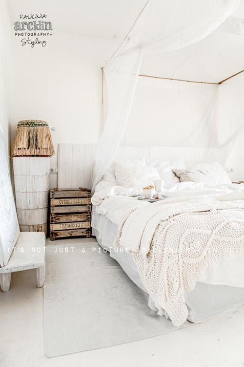 Witte slaapkamer van strandhuis #strandhuis
