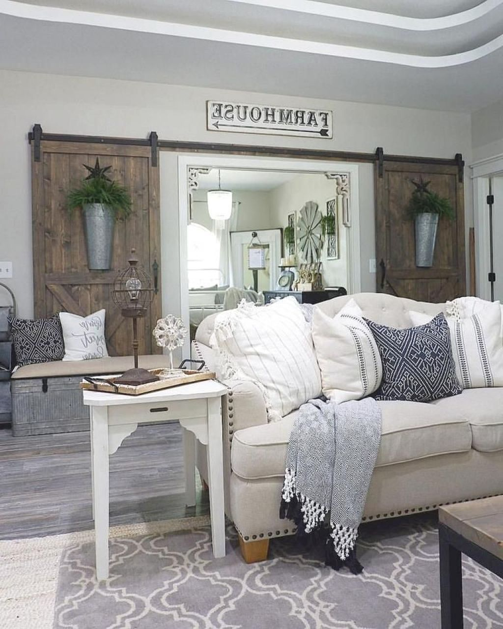 32 Gorgeous French Farmhouse Living Room Design Ideas
