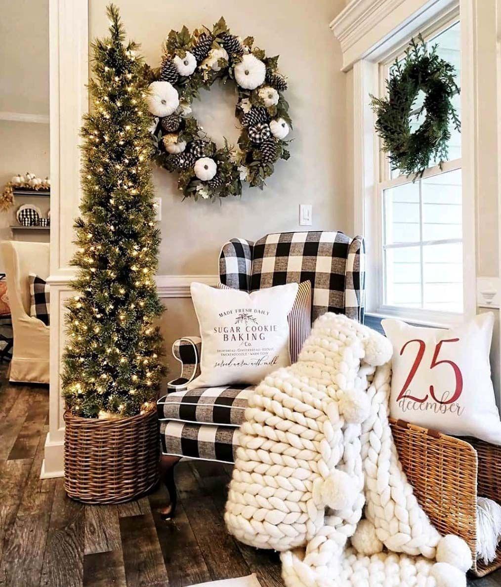 30+ Cozy And Wonderful Rustic Farmhouse Christmas Decorating Ideas