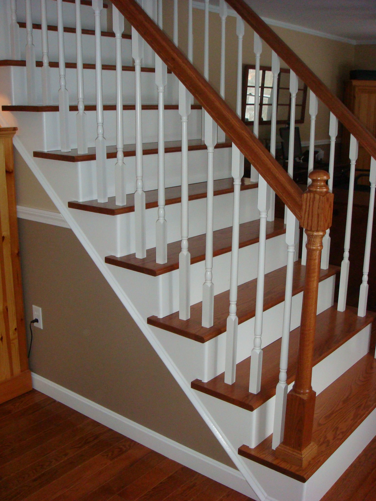 From Carpet To Wooden Stair Treads Guest Remodel Redoing Stairs Wooden Stairs And Stair Treads