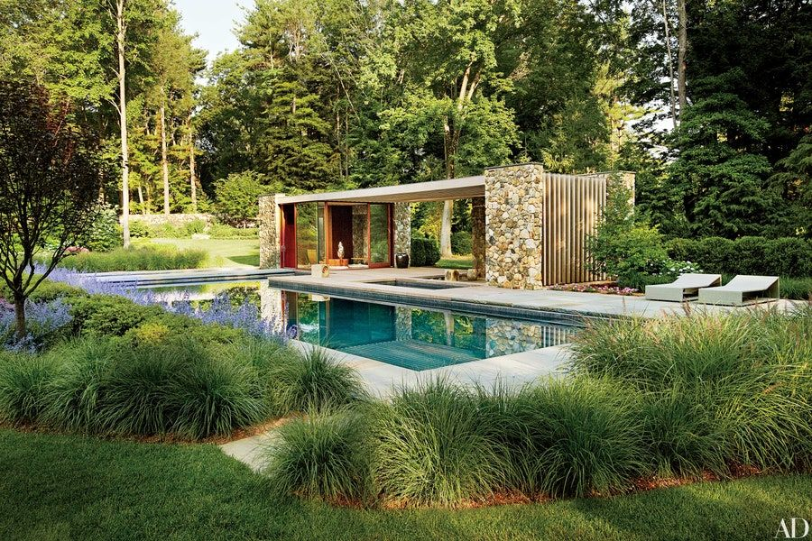 25 Inspiring Trellis Pergola Ideas For Your Backyard Architectural Digest In 2020 Pool Houses Pergola Pool House