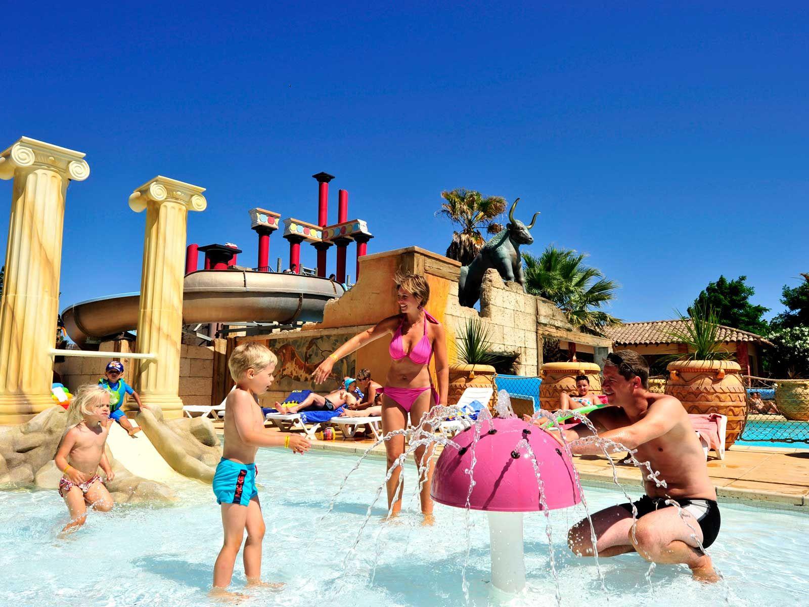 Yelloh Village Mer Et Soleil Parc Aquatique Avec Toboggans Spa Balneo De 650m A 1km Des Plages Du Cap D Agde Mer Et Soleil Camping Mer Et Soleil Camping