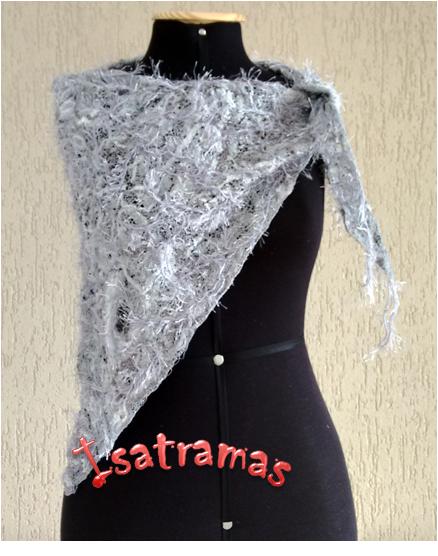 Xale triangular prata 1. www.isatramas.com.br