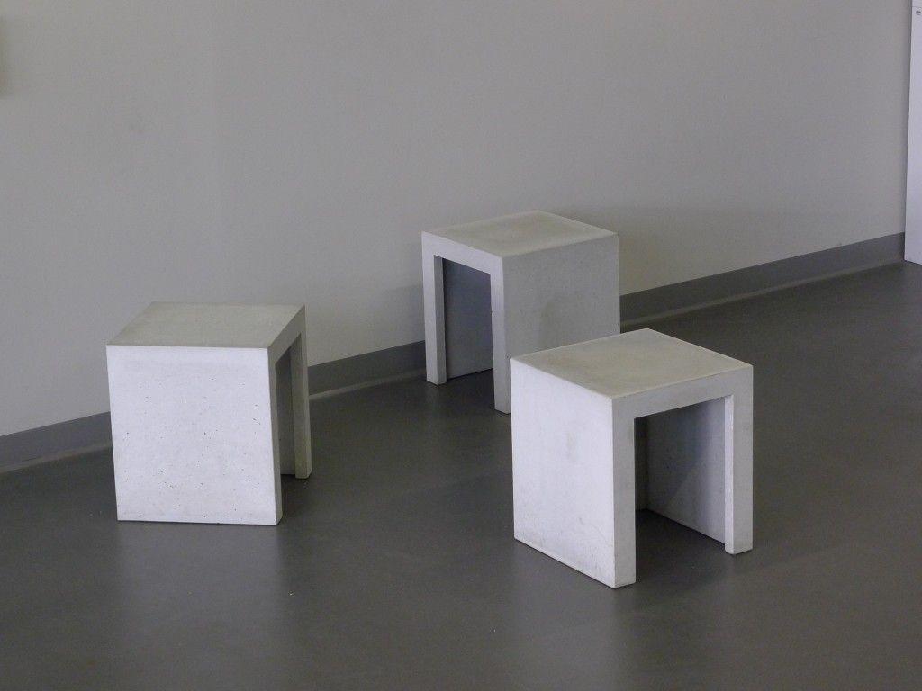 Concrete · Minimalistischer Betonhocker Für Innen Und Außen ...