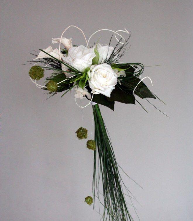 bouquet de mari e fleurs d 39 un nouveau monde mod le fantaisiebouquet moderne roses blanches et. Black Bedroom Furniture Sets. Home Design Ideas