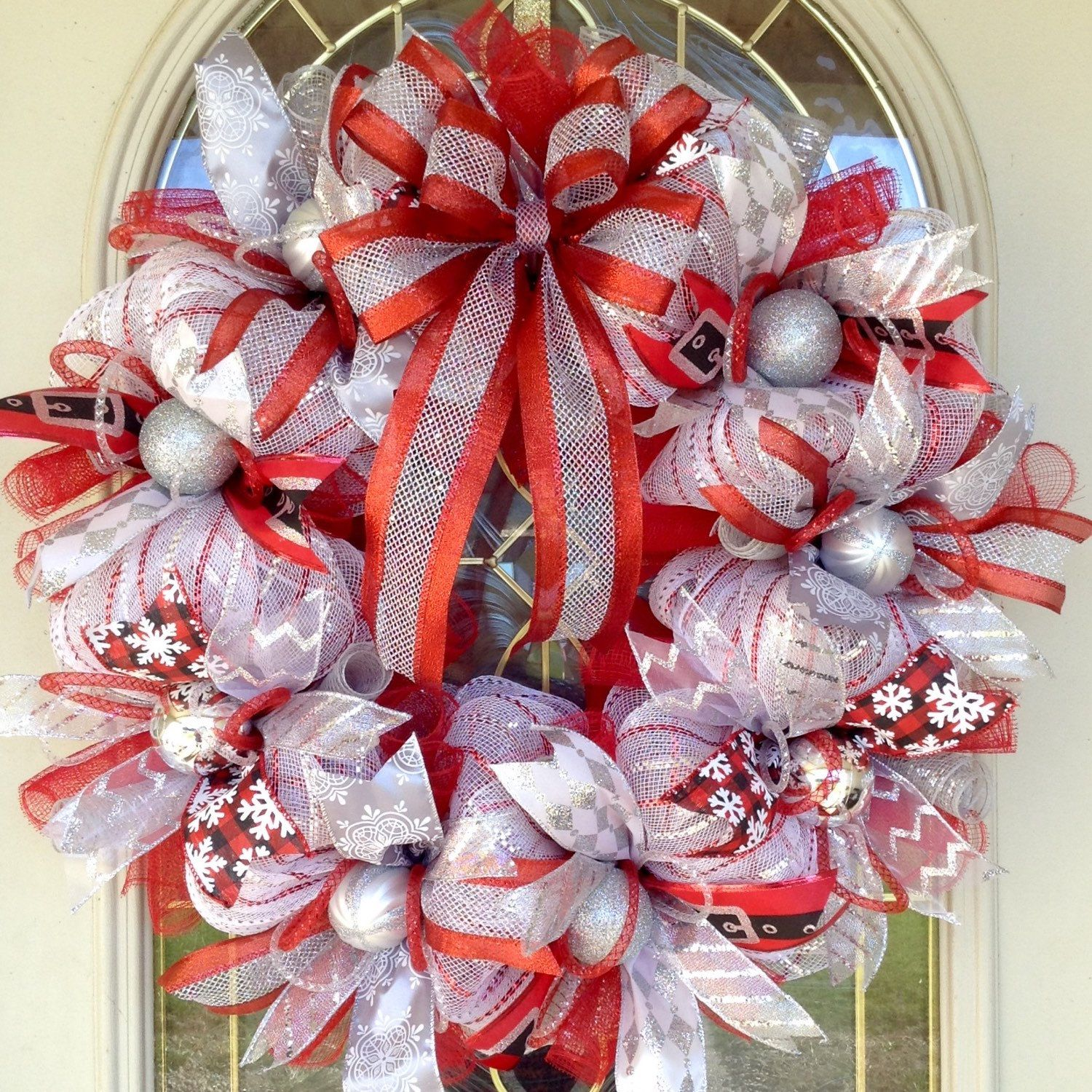 Large round christmas ornaments - Large 24 Round Christmas Red Silver Black And White Glitter Deco Mesh Wreath
