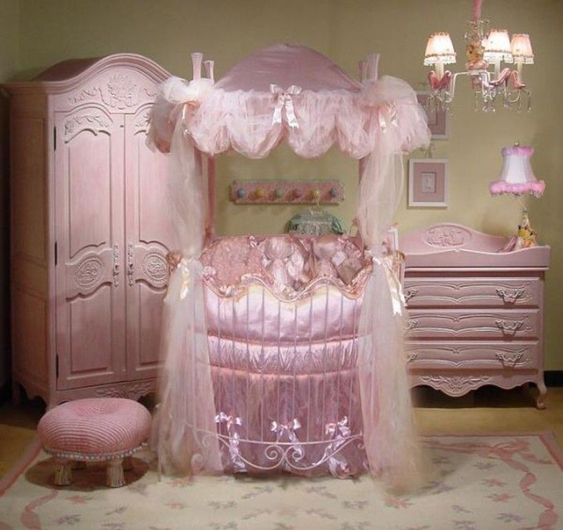 A Little Princess Nursery Design: Baby Nursery : Little Girl Disney Princess Bedroom Theme