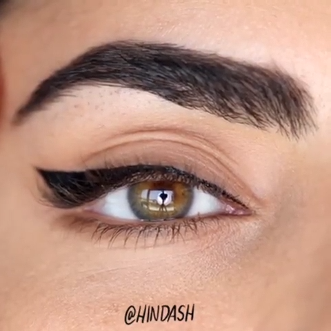 SUPER EASY WINGED LINER TUTORIAL #wingedliner #eyeliner