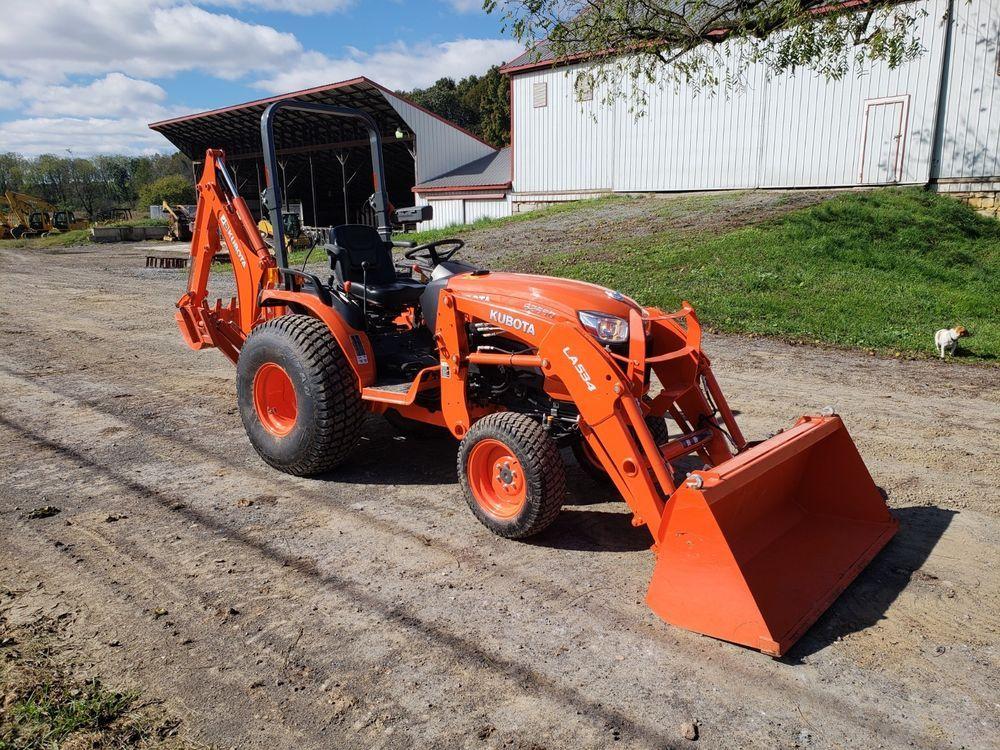 2017 Kubota B2650HSD Hydrostatic Drive Compact Tractor w/ Backhoe