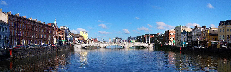 Estudiar y aprender con nuestros cursos de inglés en Cork para jóvenes en grupo acompañados de monitores en verano de 2017 con vuelo incluido