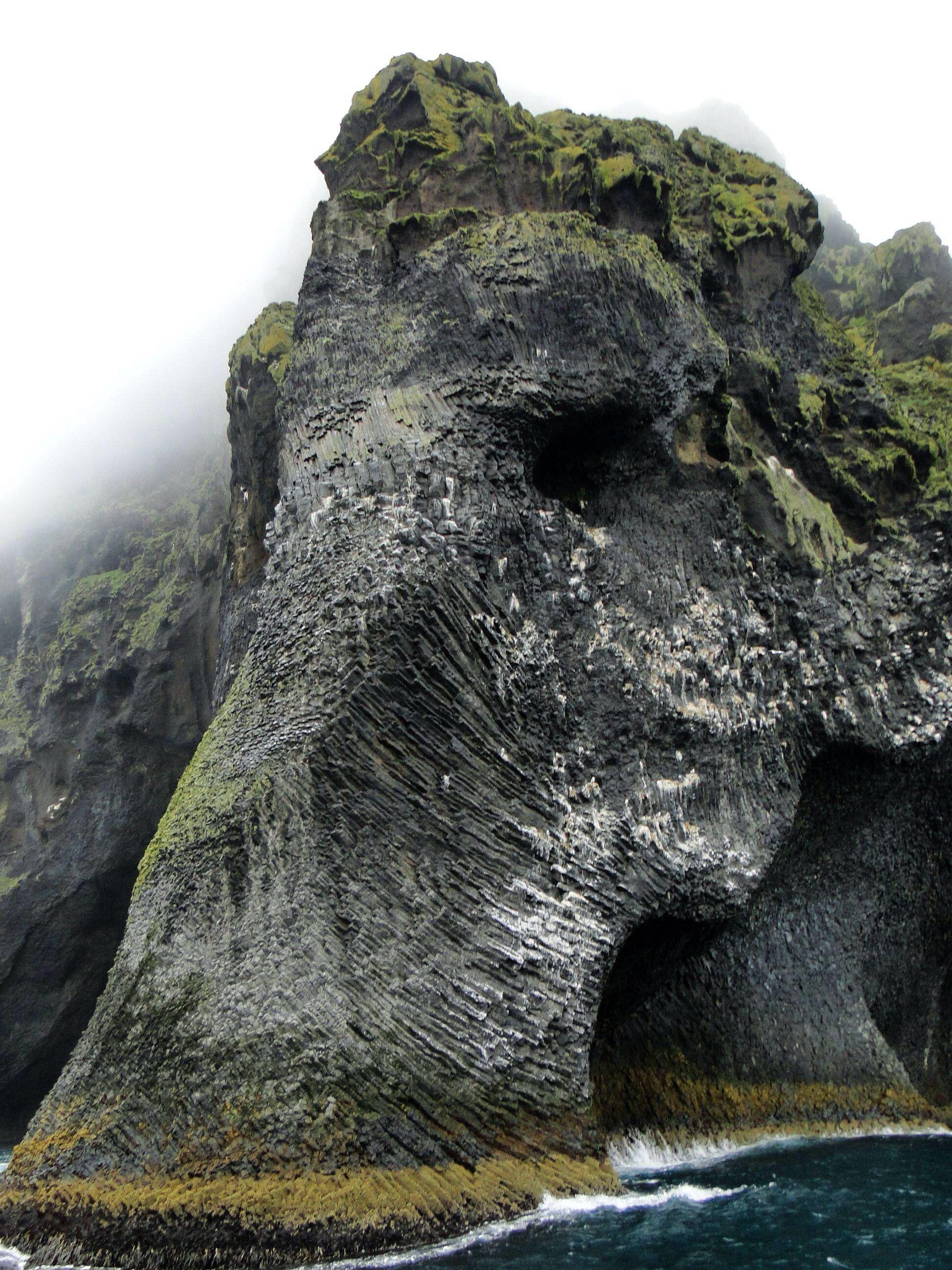 elephant rock, heimaey / iceland
