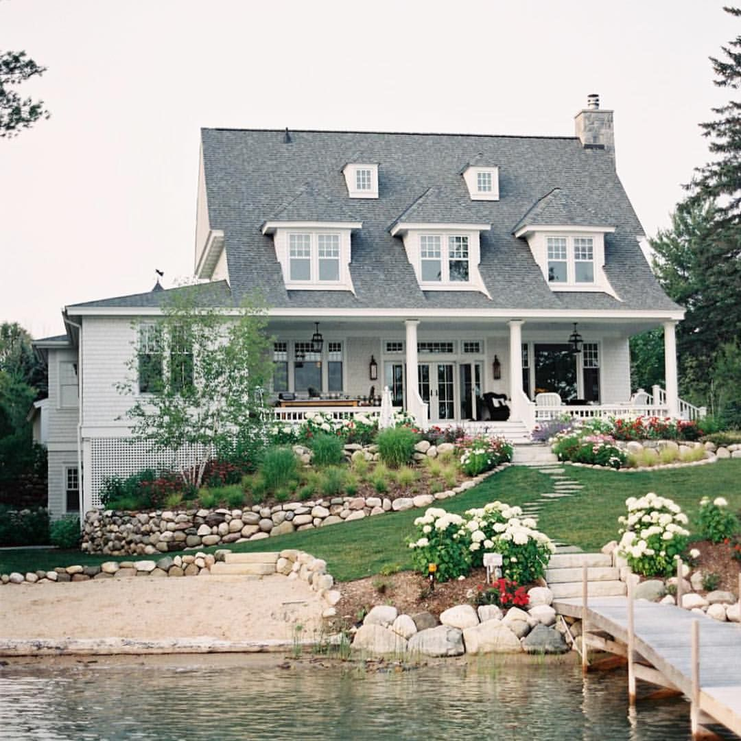 Amazing home in Northern Michigan on the lake. Also if you missed it head to the blog to see all the #CadizProject pics + sources. Have a great night! @coryweber
