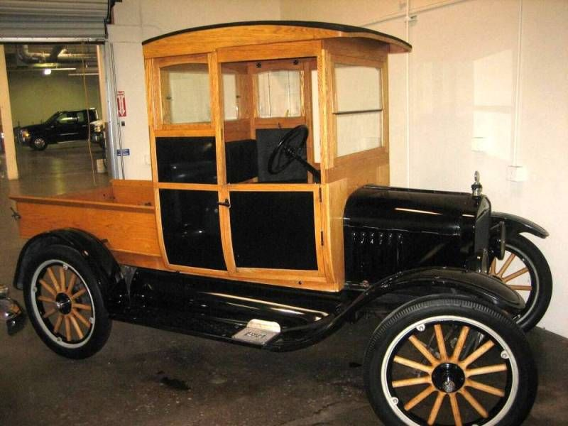 1920 Ford Model T- I chose this because I thought this Model T looked kind of like a mini house! Haha!