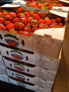 A Time And Motion Study Of Strawberries - how to efficiently deal with a LOT of strawberries for preserving.
