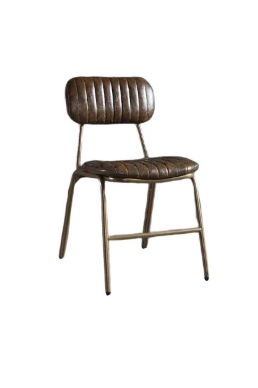 Vous Allez Tomber Sous Le Charme De Cette Chaise Industrielle Tres Confortable En Metal Noir Ou Dore Son Cuir Styl En 2020 Table Et Chaises Chaise Industrielle Chaise