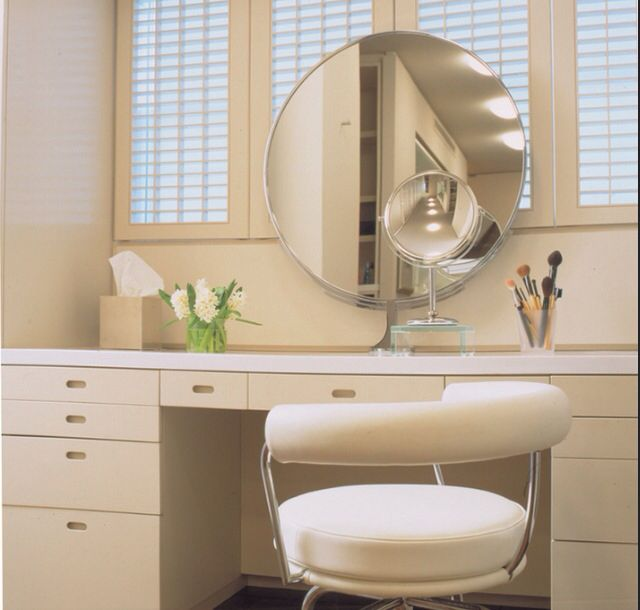Mirrored Vanity Table, White Dressing Table With Built In Mirror