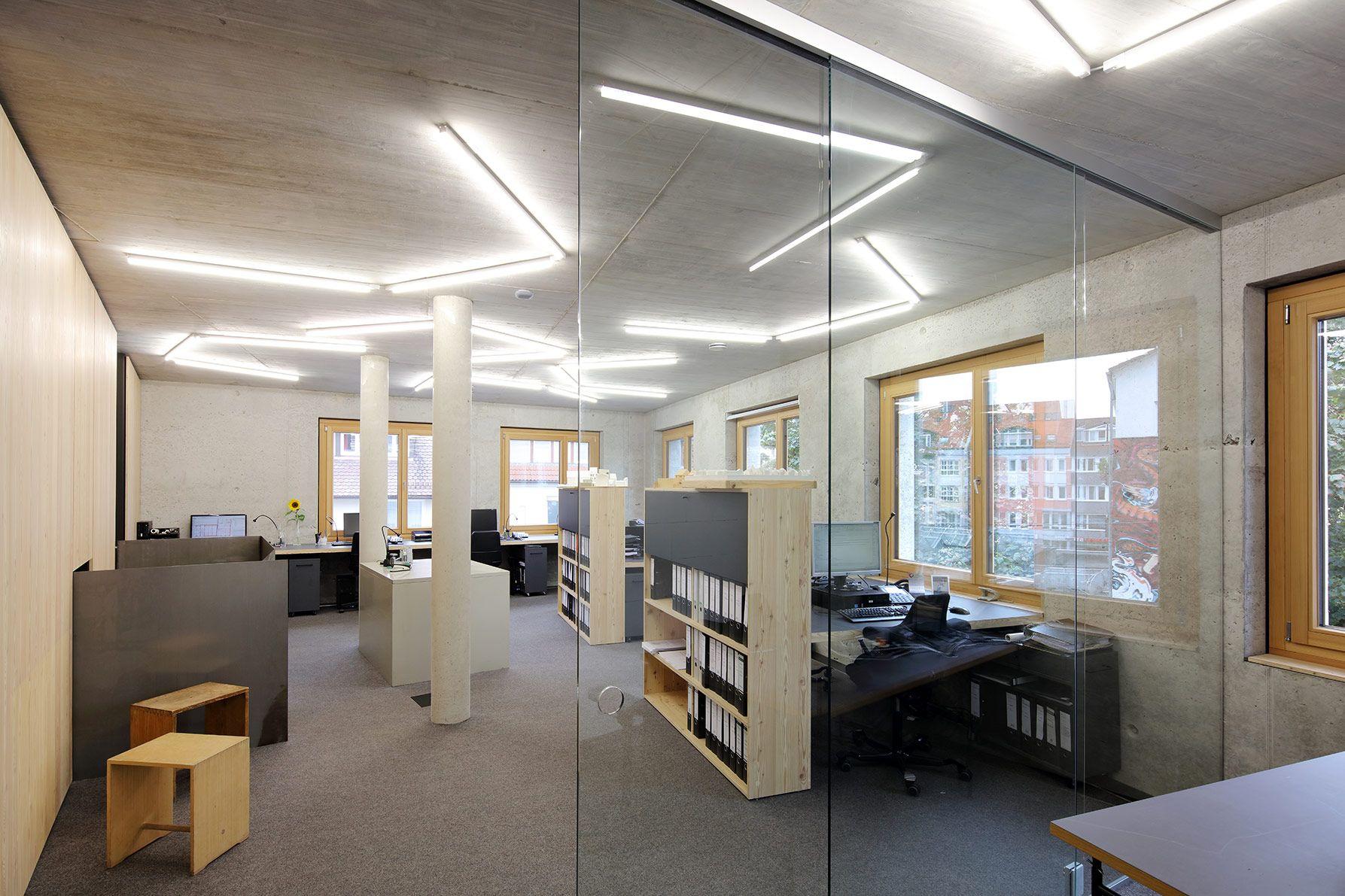 Hochste Energie Und Konstruktionsstandards Des K5 In Ulm Um Auf Die Zukunftigen Anforderungen Der Burobeleuchtung Burobeleuchtung Beleuchtung Lichtleiste