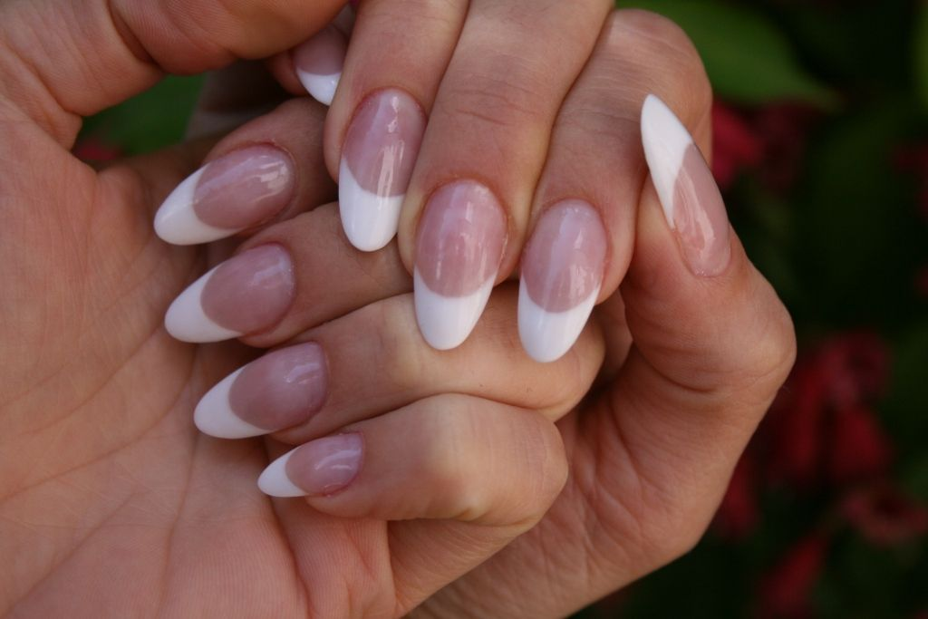 Nagelmodellage French Nails In Mandelform Nail Art Ideas 2015