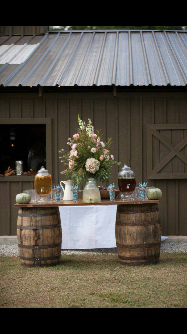 Outdoor fall wedding decor  Pin by Brittany Falls on The Big Day  Pinterest  Wedding Wedding
