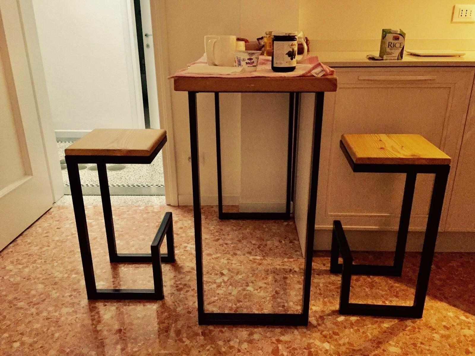 Tavolo con sgabelli stile industriale . Per info