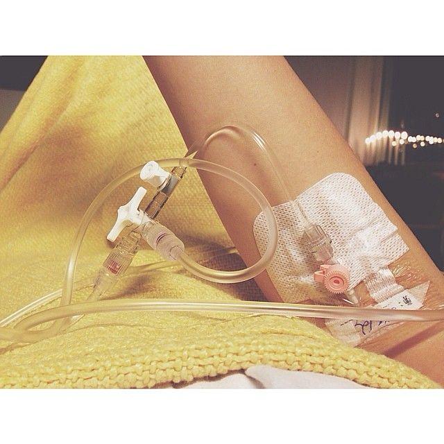 Får min julshot inkörd via armen detta år. Åkte in akut imorse pga magsmärtor, nu ligger jag här nyopererad och utan blindtarm. Kul jul ✌️ #Padgram