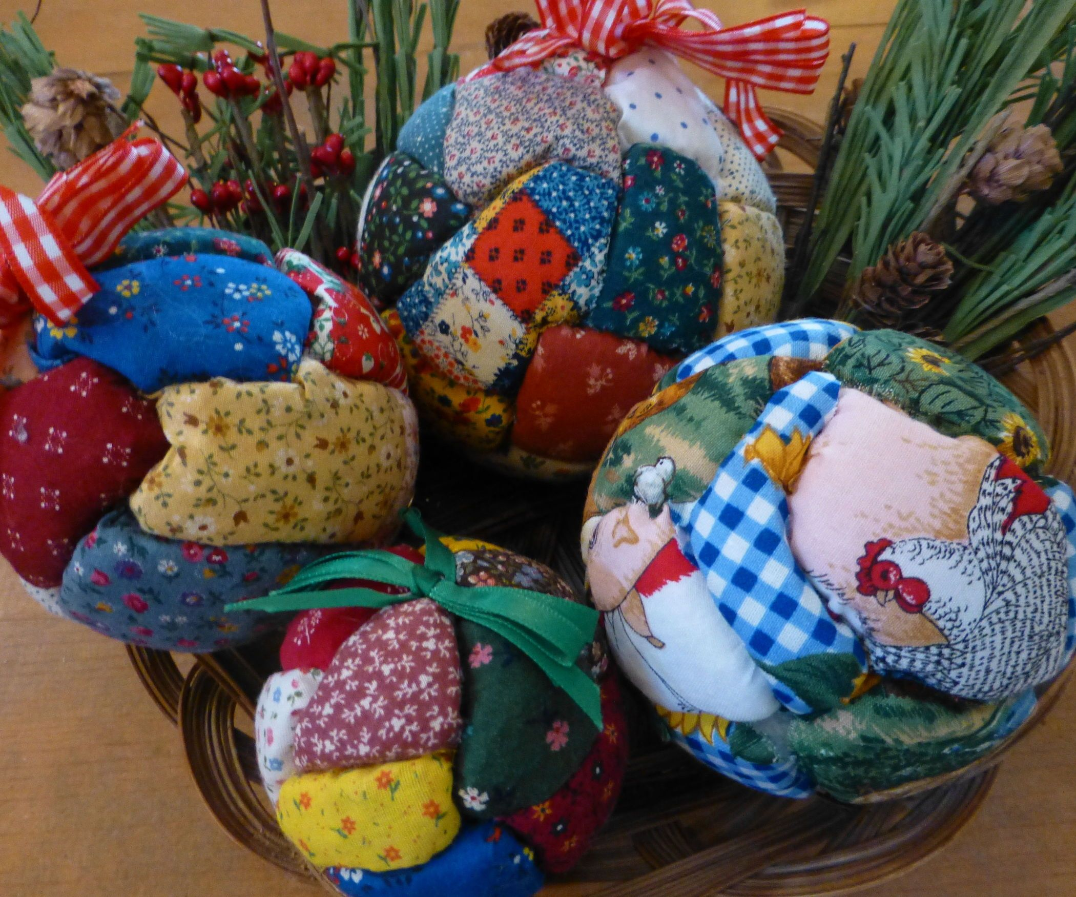 No-sew Quilted Holiday Ornaments   Ornament, Scrap and Christmas ... : how to make quilted christmas ornaments - Adamdwight.com